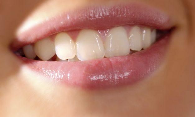 Parodontitis erhöht Alzheimer-Risiko